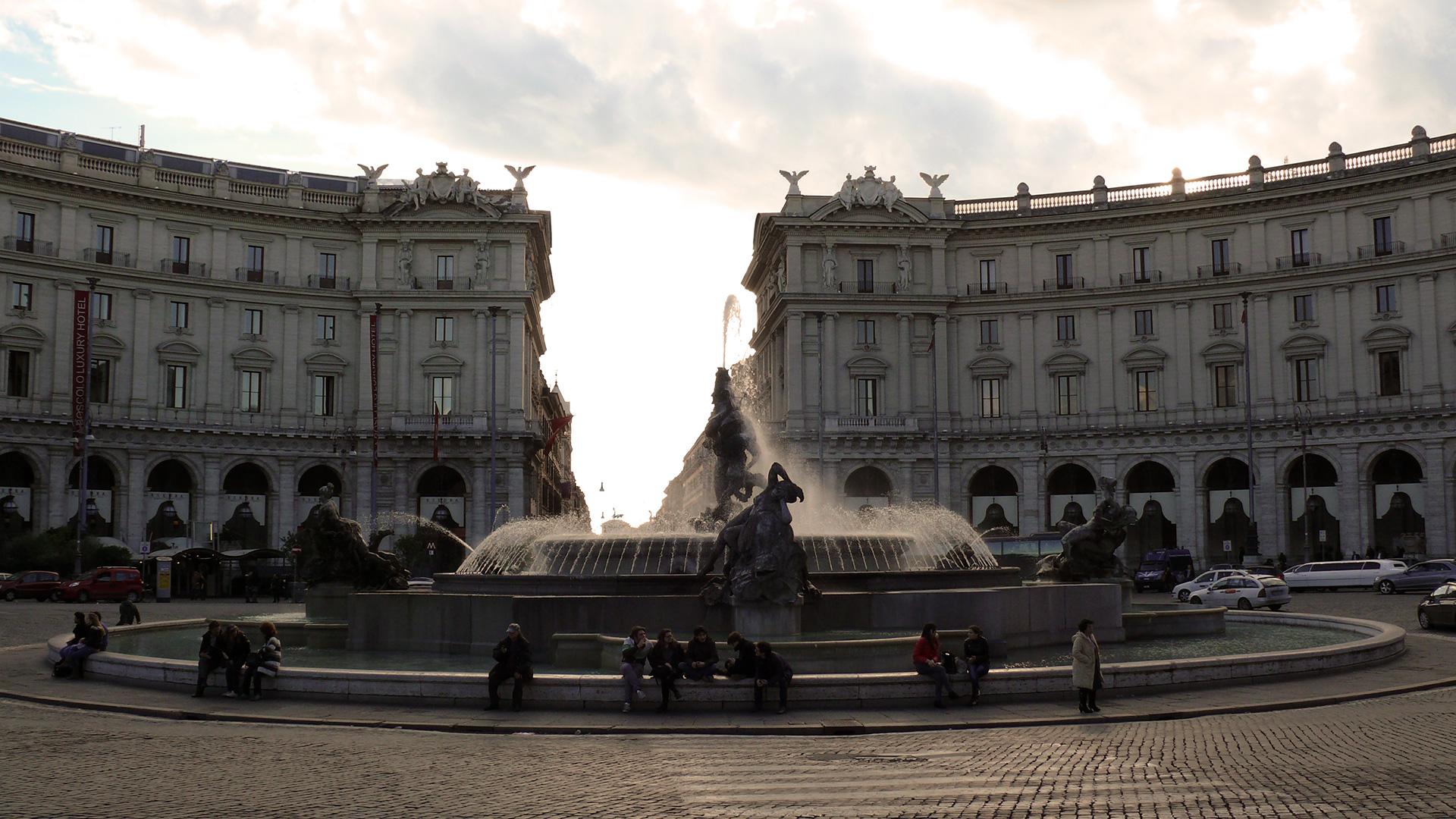 Rome - La piazza della Republica et sa fontaine des Naïades