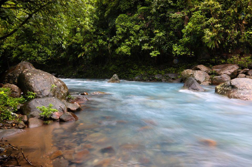 Le Rio celeste et la region de Monteverde